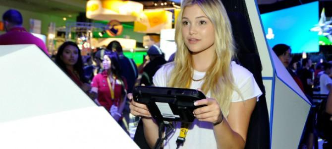 Olivia Holt comparece à evento da Nintendo, em Los Angeles; veja fotos