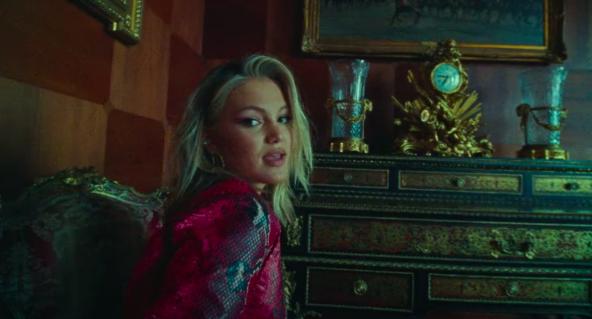 """Olivia Holt lança videoclipe para """"Next"""", seu novo single"""