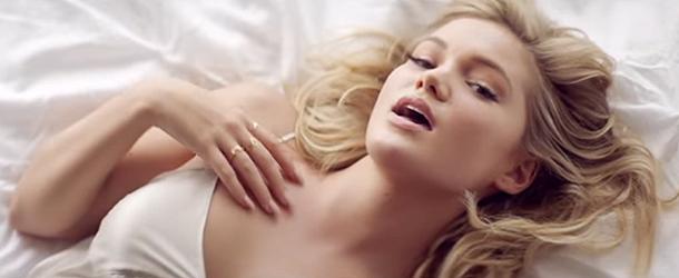 """""""History"""": videoclipe da Olivia Holt chega a 2 milhões de visualizações no VEVO"""